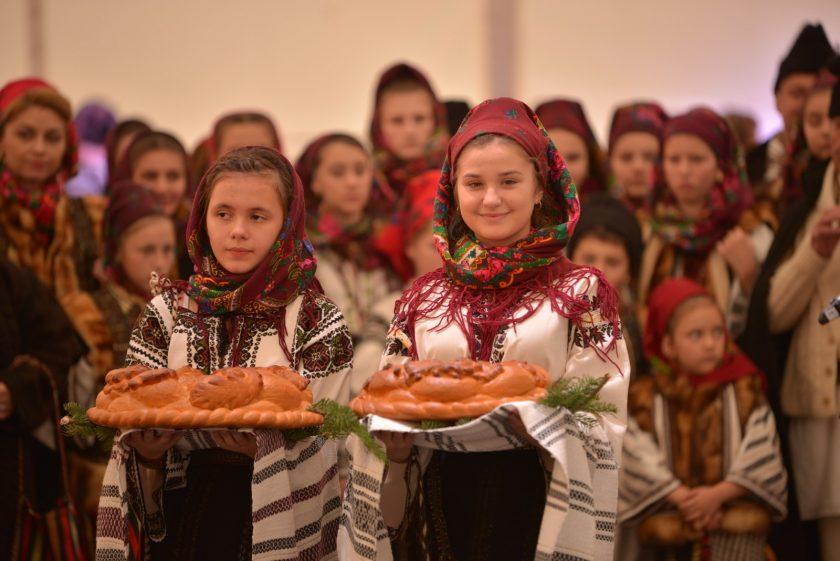 Cu ocazia Centenarului, Festivalul BUCOVINEI este organizat în Piața George Enescu din BUCUREŞTI